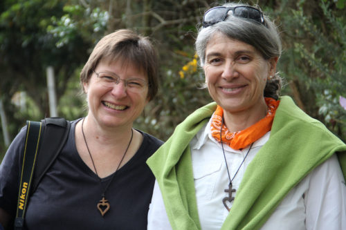 Episcopal Church missionaries Heidi Schmidt and Monica Vega during a May 9 excursion to Mision de Santa Marta outside Bogotá. Photo: Lynette Wilson/Episcopal News Service