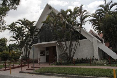 El grupo visitó también la capilla del hospital de la Divina Providencia, donde el arzobispo catolicorromano Oscar A. Romero fue asesinado el 24 de marzo de 1980. Foto de Lynette Wilson para ENS.