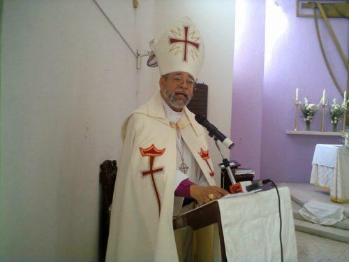 Obispo Julio Cesar Holguín.