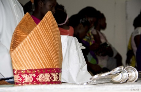 Despite passionate appeals by those dioceses ready to ordain women, the motion failed. Photo: Bellah Zulu/ACNS