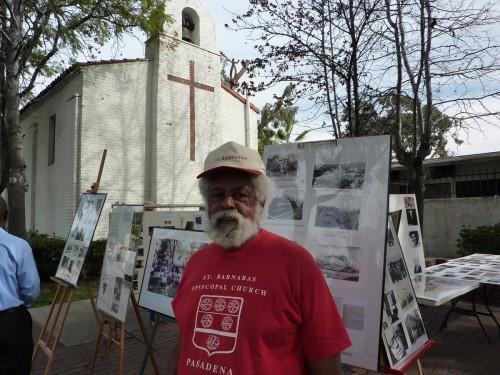 Michael Mims, profesor jubilado de Pasadena City College, que tomó en préstamo materiales del archivo de su familia para crear la retrospectiva. Foto de Keith Yamamoto.