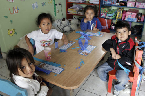 The Diocese of Honduras operates seven, faith-based bilingual schools serving 1,500 students from prekindergarten through 11th grade.  Photo: Lynette Wilson/ENS