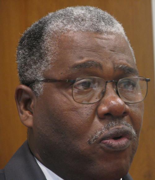 El arzobispo liberiano Jonathan Bau-Bau Bonaparte Hart