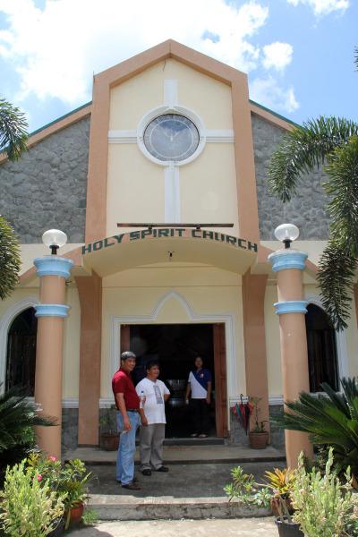 La iglesia del Espíritu Santo fue construida en 2009. Foto de Lynette Wilson para ENS.