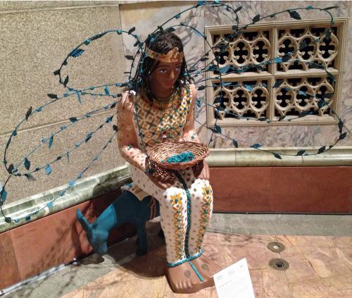 """Obra de arte de Reda Abdel Rahman, cocurador de la exposición CARAVAN 2014, """"AMÉN: una oración por el mundo"""" que se exhibe en la catedral de San Juan el Teólogo in Nueva York hasta el 23 de noviembre. Foto de  Amy Sowder."""