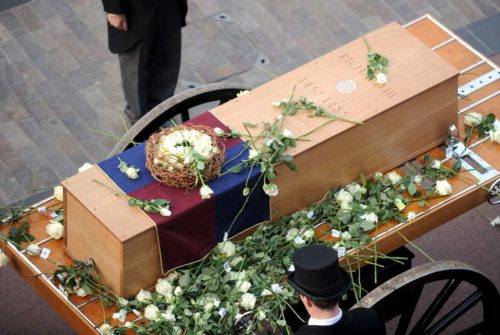 People in the streets of Leicester tossed white roses on his casket on its way to the Leicester Cathedral. Richard was the head of the House of York, which had the white rose as its symbol. Photo: King Richard in Leicester website (http://kingrichardinleicester.com/)