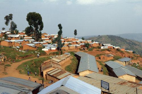 El campamento de refugiados de Gihembe alberga a 14.500 refugiados congoleses que han buscado refugio en Ruanda. Foto de Lynette Wilson/ENS.