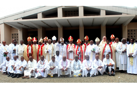 Bishops and priests at the end of a farewell service to Archbishop David Vunagi Photo: Anglican Church of Melanesia