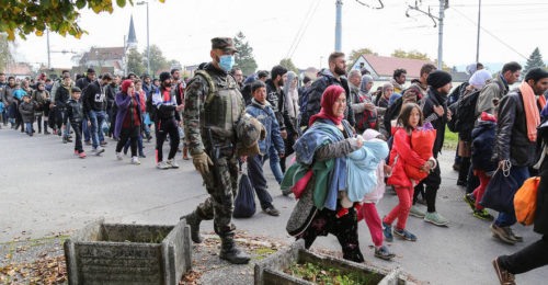 Syrian refugees and migrants, mostly from Afghanistan, Bangladesh, Pakistan, pass through Slovenia on their way to Germany, Oct. 23. Photo: Robert Cotič via Wikimedia Commons