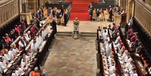 Los primados de la Comunión Anglicana rezan durante el oficio de vísperas en la catedral de Cantórbery el 11 de enero, el primer día de los cinco que dura su reunión. Foto de la catedral de Cantórbery.