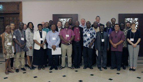 Veintitrés personas en representación de seis provincias —Burundi, África Occidental, África Central, África Meridional, Tanzania y la Iglesia Episcopal— se han reunido para la Conferencia Gálatas 6:2 que tiene lugar en Dar es-Salam, Tanzania, del 30 de marzo al 3 de abril. Foto de  Lynette Wilson/ENS.