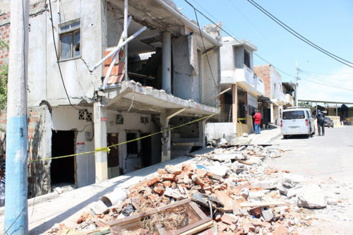 The Diocese of Ecuador Litoral has developed a comprehensive plan to care for the short- and long-term needs of people living in communities most affected by the April 16, 7-8-magnitude earthquake that hit the South American country. Photo: Edgar Giraldo/Facebook