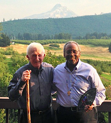 In August 2015, when he was still presiding bishop-elect, Bishop Michael Curry traveled to Oregon to visit Bishop Edmond Browning on his farm in the Hood River Valley. Photo: Mary Lujan