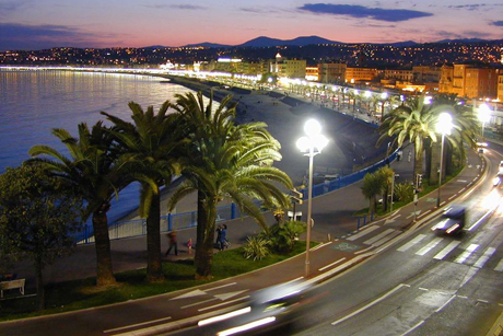 The Promenade des Anglais in Nice on the south coast of France, pictured here in 2004, was the scene of a deadly terrorist attack last night in which at least 84 people have been killed. Photo: W M Connolley / Wikimedia