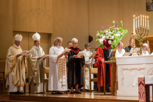 From left, 25th Presiding Bishop Frank T. Griswold, 26th Presiding Bishop Katharine Jefferts Schori, President of the House of Deputies the Rev. Gay Clark Jennings and former President of the House of Deputies Bonnie Anderson participate in the memorial service to 24th Presiding Bishop Edmond Lee Browning on July 19 in Portland, Oregon. Photo: Frank DeSantis, Diocese of Oregon