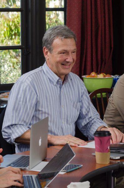 El Muy Rdo. W. Mark Richardson, presidente y decano de la Escuela de Teología Eclesiástica del Pacífico, durante el adiestramiento dela Fundación de Áreas Industriales el año pasado. Foto/CDSP.
