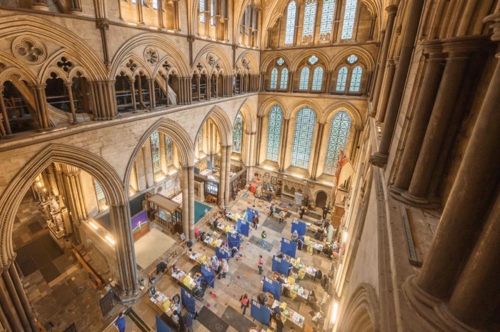 La catedral de Salisbury abre como sitio de vacunación, con una banda  sonora de música de órgano - Episcopal News Service