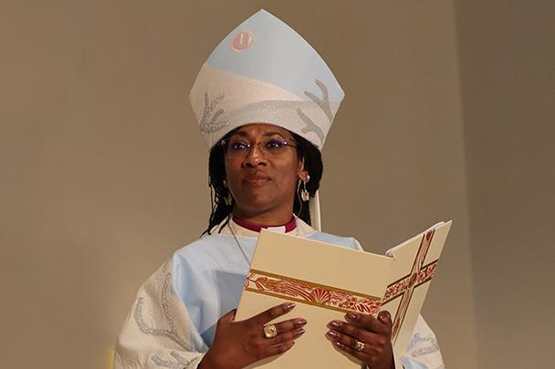 Obispo de Vermont Shannon MacVean-Brown